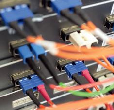 Optikai, hálózati és buszkábelek